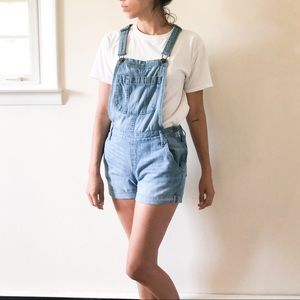 Old Navy overall shorts 403